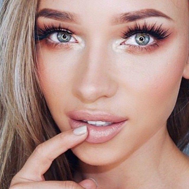 False lashes, natural make-up, dark eyeliner, thick eyeliner