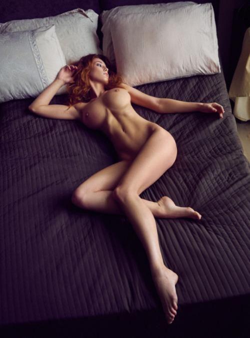 Sara Jean Unterholz nackt
