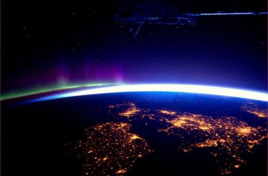 : International Spaces, Mothers Earth, Great Britain, Aurora Borealis, Northern Lights, Northern Ireland, Spaces Stations, Outer Spaces, British Isle