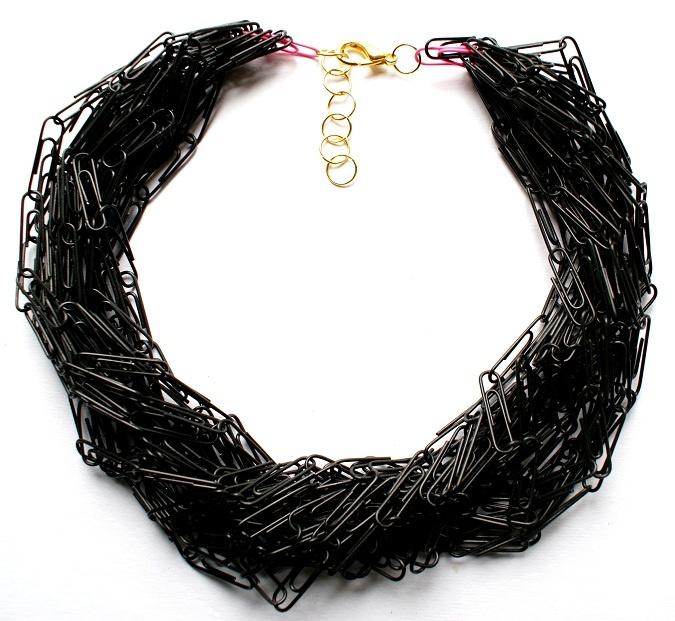 "Republika artystyczna by Anna Dunin Holecka, necklace ""Spinaczowe love!"" 2011"
