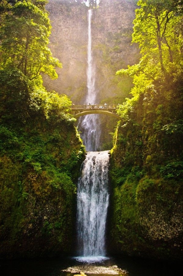 15 Beautiful Waterfalls From Around the World, Multnomah Falls, Oregon, lOne of my favorite spots in the USA!!!