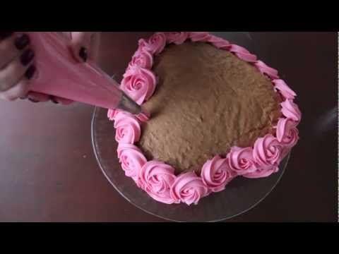 How To: Rozen spuiten op een taart