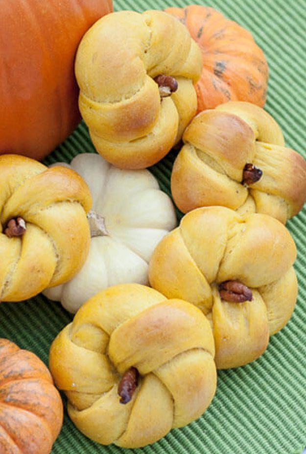 savory pumpkin rolls, see more at http://homemaderecipes.com/course/pastas-bread/16-homemade-bread-recipes/