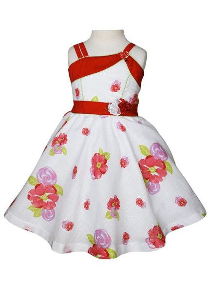 This beautiful white summer Sandra girls dress is absolutely gorgeous, perfect for those girls parties, tea time with bests, and of course twirl around. The dress has contrasting red bands along the s