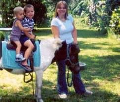 Petting Zoos and Horses - Invite family and friends to a petting zoo in your own backyard! Rent a petting zoo from Fun Factory in Orange County CA! San Clemente - Huntington Beach - Irving - More!