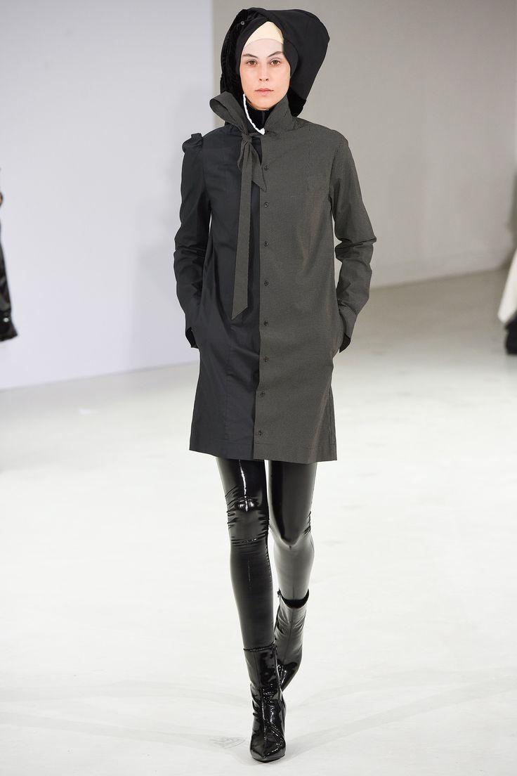 http://www.vogue.com/fashion-shows/fall-2017-couture/a-f-vandevorst/slideshow/collection