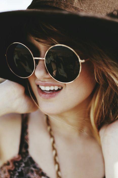 love this: Shades, Boho Chic, Street Style, Big Sunglasses, Fashion Eyewear, Bohemian Style, Accessories, Round Sunglasses, Sun Hats