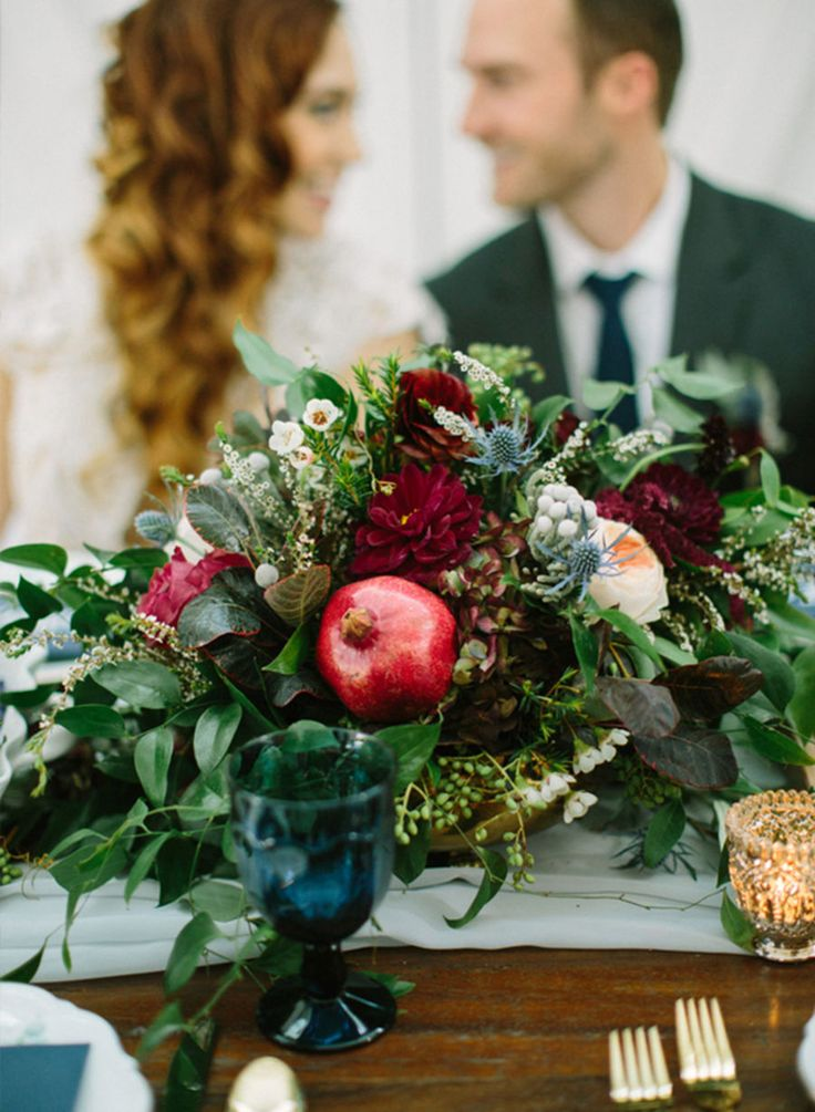 Sit back, grab a pumpkin spice latté, and enjoy these GORGEOUS Fall Foliage Weddings and a beautiful orange-inspired scenery.