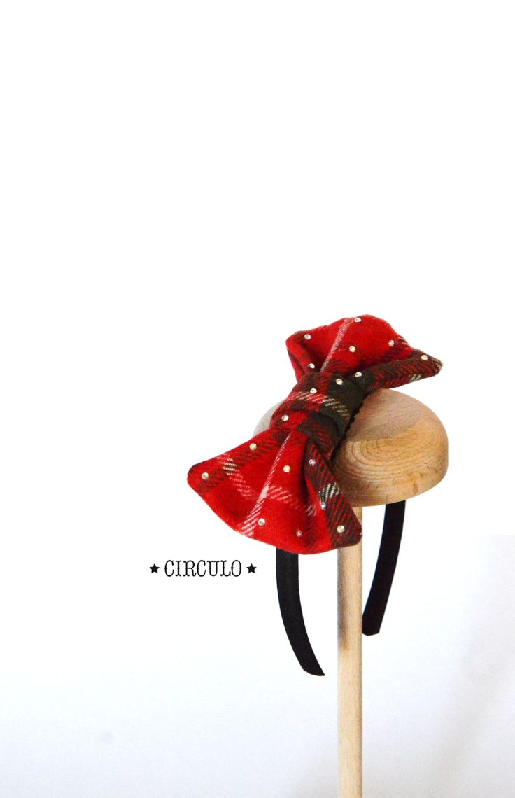 Handmade headband with woolen bow & small strasses !! {https://www.facebook.com/circulobebe}