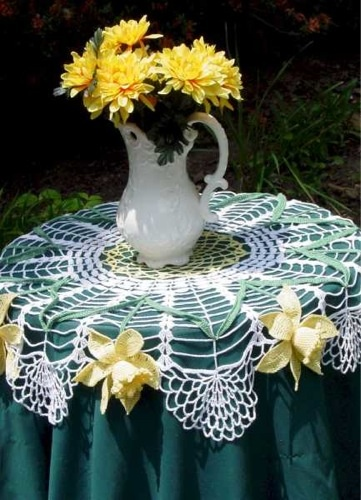 PA135 Daffodil Table Topper Crochet Pattern - http://www.maggiescrochet.com/daffodil-table-topper-pattern-p-79.html #crochet #pattern #table #topper #home #decor #daffodil #flowers #unique #design