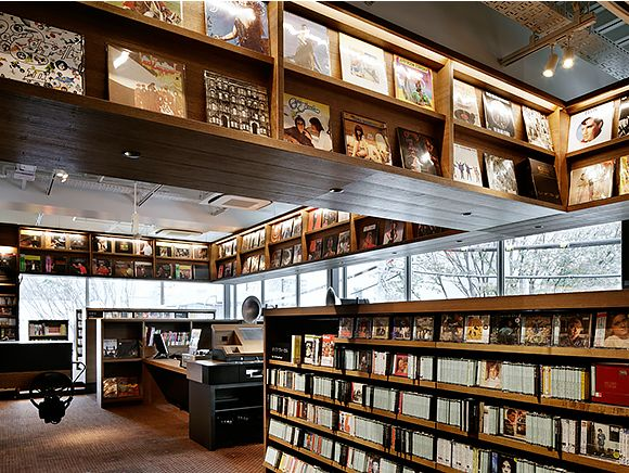 "DAIKANYAMA TSUTAYA BOOKS, the TSUTAYA for grownups, is tied to the theme of ""A Library in the Woods."""