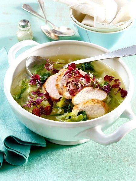 Deine Suppe als effektiver Fatburner: Mit dem sieben-Tage-Plan kannst du bis zu 3,5 Kilogramm in nur einer Woche abnehmen! Diese 7 leckeren Suppen-Rezepte lassen deine Pfunde schnell schmelzen!