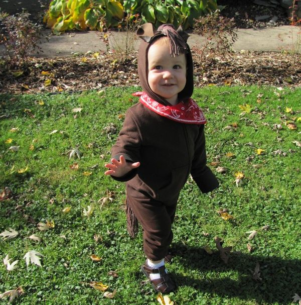 A quick easy and inexpensive diy kids horse costume kid for Quick halloween costumes for toddlers
