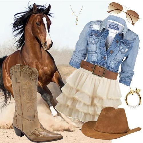 Un vestido blanco con muchos vuelos.. mas una chaqueta de mezclilla, con las típicas botas vaqueras, y con accesorios como pulseras, cinturón, lentes de aviador y... el sombrero texano que lo amo ♥'