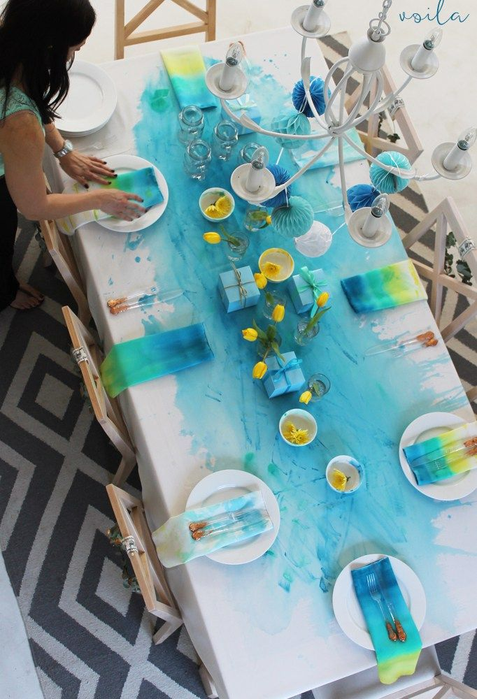 Watercolour Christmas – painted tablecloth DIY - click here for the full tutorial!! http://homeology.co.za/diy2/watercolour-christmas-painted-napkins-diy/