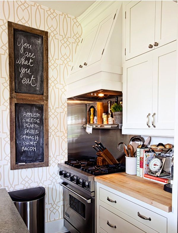 .Chalkboards, Tiny Kitchens, Small Kitchens, Kitchens Ideas, Little Kitchens, Chalk Boards, Cozy Kitchens, Small Spaces, White Cabinets