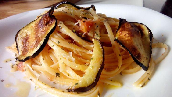 Espaguetis a la Norma – Spaghetti alla Norma.