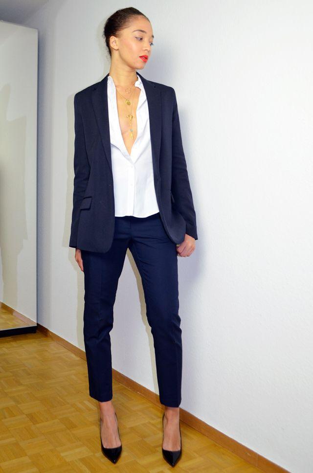 Et si on zappait la « petite robe noire » pour les fêtes cette année      Fashionista   Smoking, Mode, Tailleur. b35dd59446f4