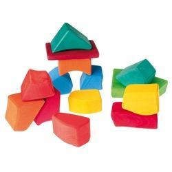 Flotte tr�klodser i farver fra Grimms. Ikke to klodser er ens og der kan bygges og leges p� utallige m�der! Hurtig dag-til-dag levering.