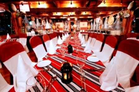 5 star Dhow dinner #cruise for only for 80 AED. Get this exclusive #traveldeals till 31st Aug, 2015 from http://www.akoupon.com/?page=part_details&id=134