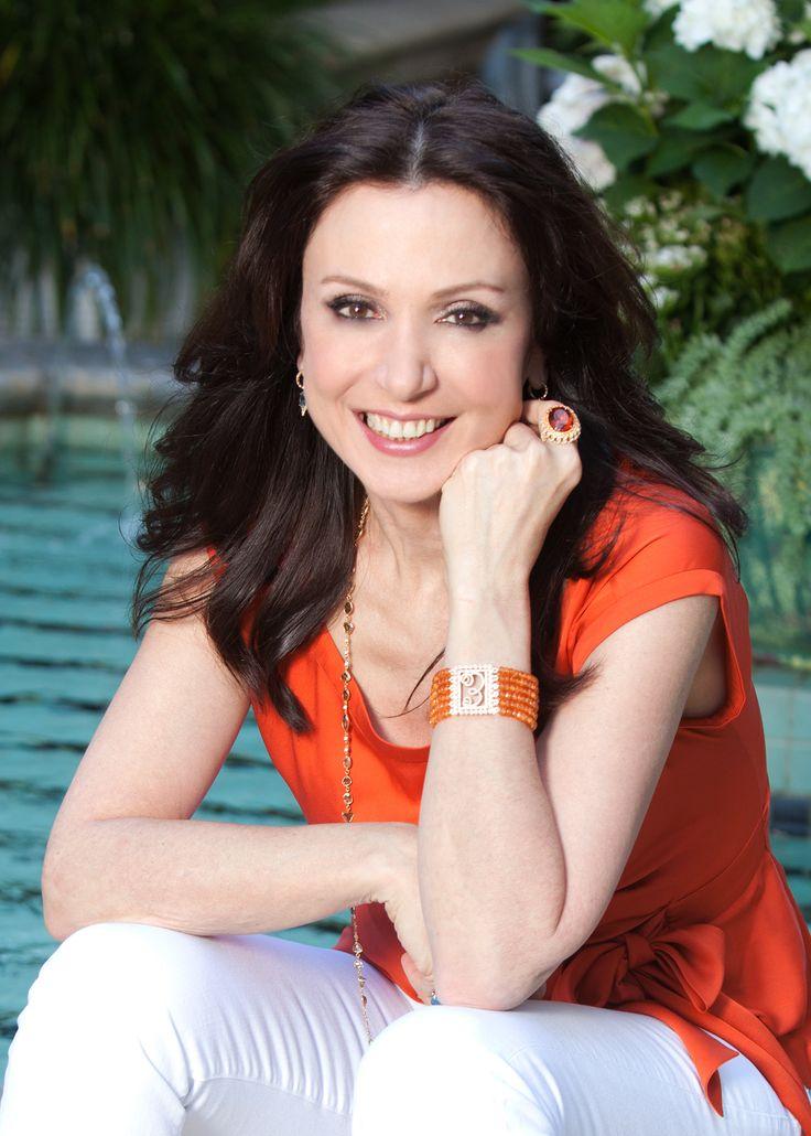 Q & A With Celebrity Jewelry Designer Erica Courtney