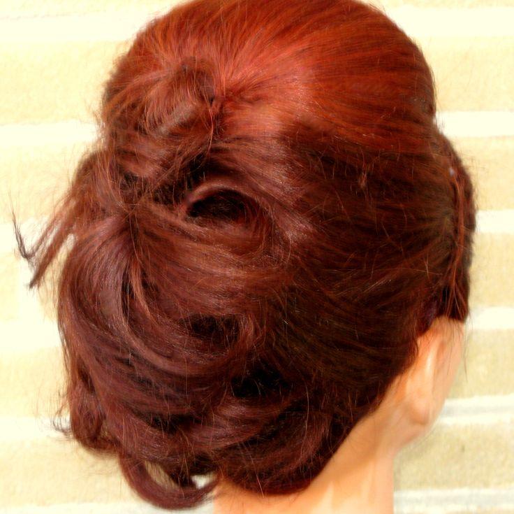 Trendy haar, Venlo Bohemien backside variation Updo for Bridal, Bride, Gala, Prom, Event  Bohemien achterkant variatie. Opgestoken haar voor de bruid, bruiloft, gala, gelegenheid