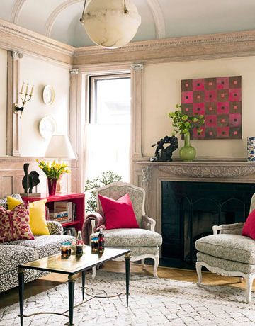 pillows: Living Rooms, Decor Ideas, Houses Beautiful, Grey Yellow, Hot Pink, Colors Schemes, Pink Pillows, Families Rooms, Pink Accent