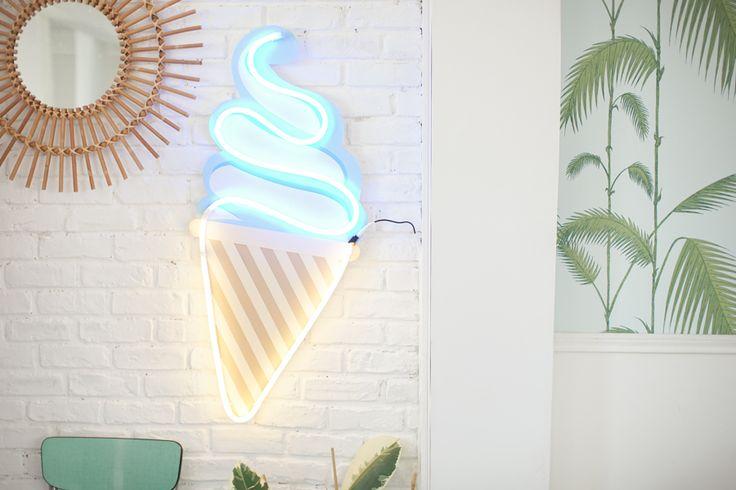 http://makemylemonade.com/comment-faire-une-glace-en-neon/