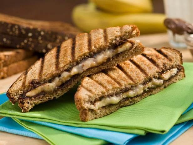 Bobby's Grilled Banana and Nutella Panini: Desserts, Panini Recipes, Paninis Recipes, Food, Nutella Paninis, Grilled Bananas, Bananas Recipes, Yummy, Bananas Nutella
