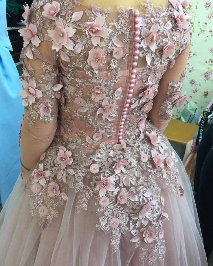 #gelin#gelinlik#eedding#abiye#abaya#couture#tasarım#stil#still#moda #model#fashion #kombin #düğün #tesettür #fashionista #elbise #tagsforlikes #bride #dantel #instagood #instacool #instasize # http://gelinshop.com/ipost/1499799033504547278/?code=BTQW0ZSg0HO