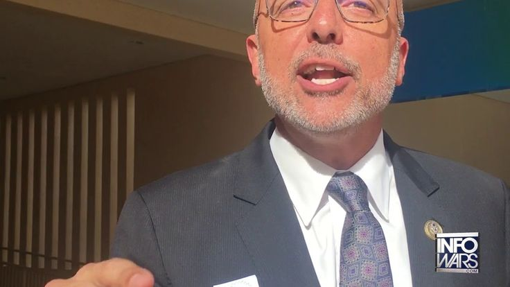 Infowars Confronts Lying Anti-Gun Florida Congressman