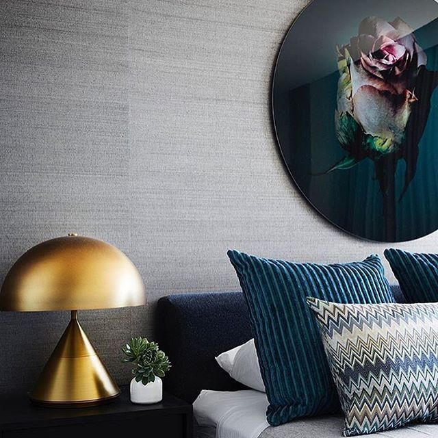 A bit of brass always bring a warm feeling to any room.  Featuring: The Wayy in Antique Brass Table Lamp  Rg: @berkeley_interiors . #australiandesign #handmadeshades #madeinaustralia #sydneystyle #melbournestyle #melbournedesign #sydneydesign #brisbanestyle #queenslandstyle #queenslanddesign
