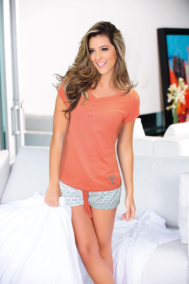 Ref: 1460423- T Shirt - Size: S - M - L – XL - Material: PIMA Cotton/100 - Color: Coral. Ref: 1420424- Short- Size: S - M - L - XL - Material: PIMA Cotton/100- Color: White/ printed
