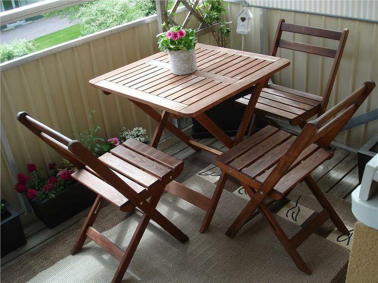 Utemöbel Balkongmöbel Bord + tre stolar Ihopfällbart på Tradera.