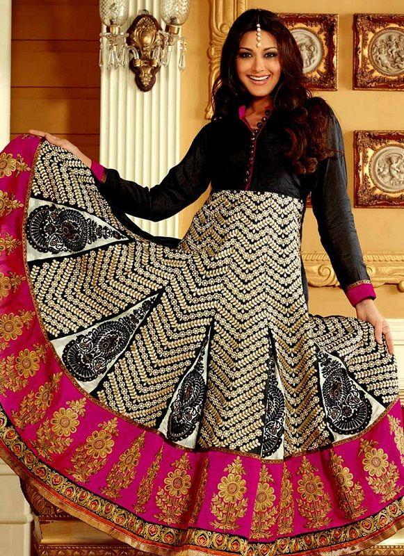 Sonali Bendre: Splendid in Indian Ethnic Suits | Fashionlady