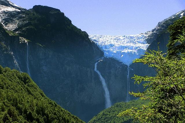 Glaciar Colgante Queulat - Patagonia Chilena