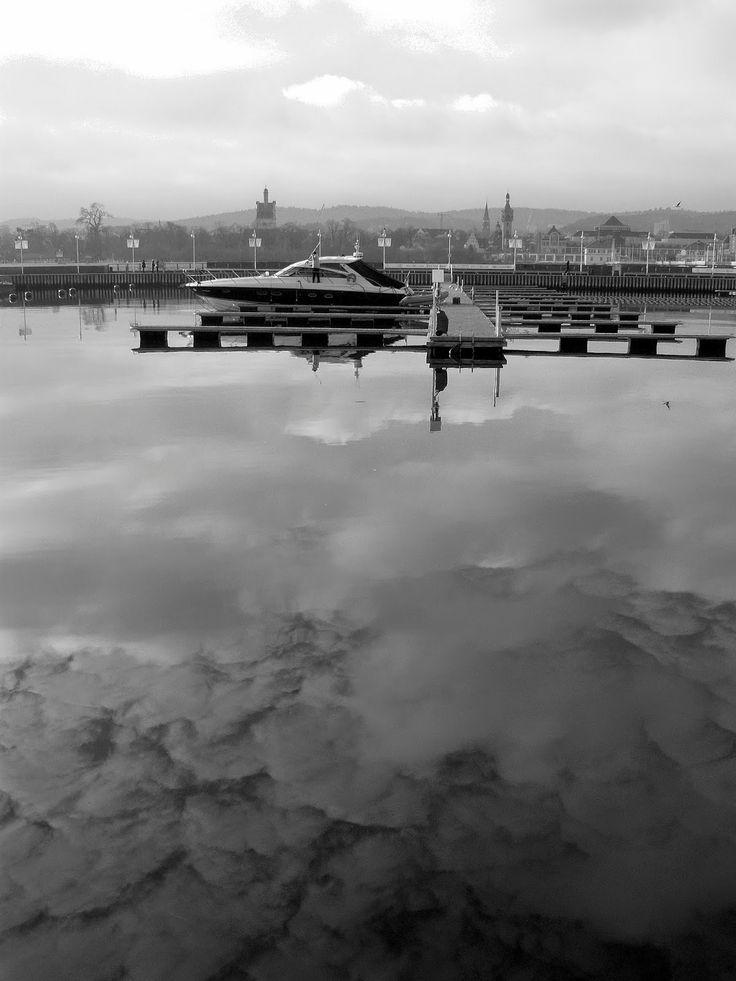 """Z cyklu """"Warsztat fotograficzny T.L."""": """"Sopot - przystań"""" © by Joanna Z. (proofreading and digital darkroom by T.L.)"""