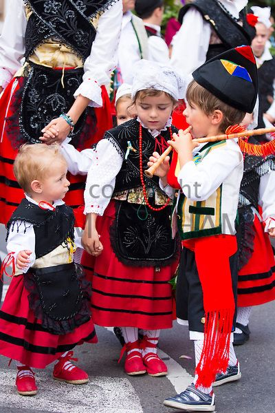 Traditional fiesta at Villaviciosa in Asturias, Northern Spain - Photo by Tim Graham