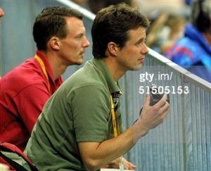 ríncipe Frederik com o seu irmão Joachim nos Jogos Olímpicos de Sydney em 2000.
