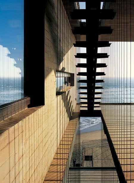 """Tecnología & Arquitectura: Mathias Klotz """"Casa 11 Mujeres"""" en Santiago de Chile"""