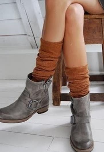 Какие туфли носят с короткими платьями