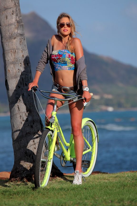Girls sex beach bike
