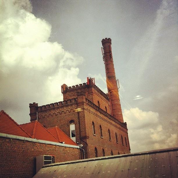 Touriste = l'usine de Roubaix! #usine #factory #lille #nord #igerslille #igersfrance #igers  (Pris avec instagram)