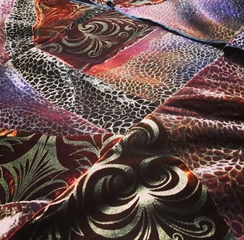 Another #arttextile project in the making. @patricia_lester creating a new piece in #luxurious #bronzes and #golds perfect for a throw.   #artcouture #artist #textileartist #luxurysilks #bespokeinteriors  Charles and Patricia Lester Social http://twitter.com/CPLester1 http://www.facebook.com/charles.patricia.lester https://www.instagram.com/charlesandpatricialester/