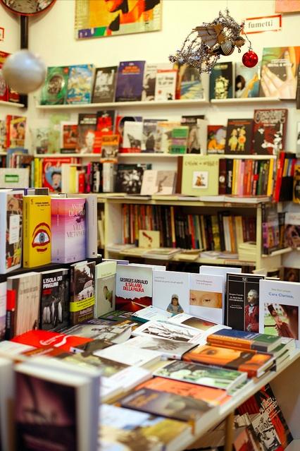 La libreria Odradek, luogo della festa di Tropico del Libro.