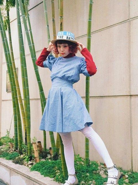 パフスリーブのデニムシャツワンピのアニーコーデ 裏原系タイプのファッション スタイル参考コーデ♡