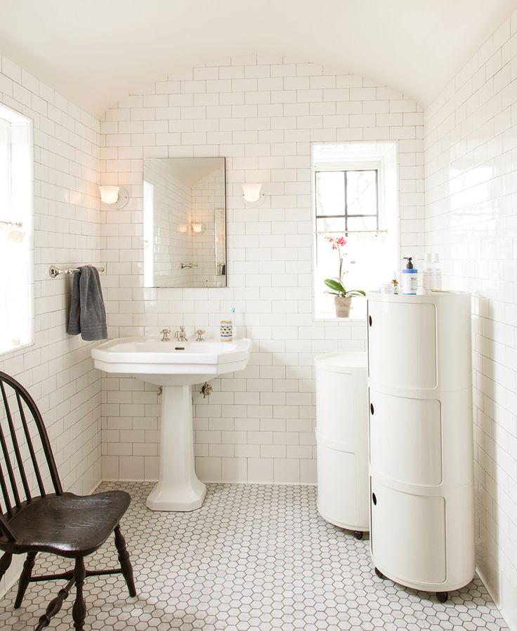 Amy Neunsinger Photography | white bathroom anna castelli componibili