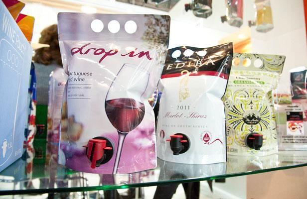 Au salon Vinitech, le conditionnement du vin prend des couleurs et des nouvelles formes