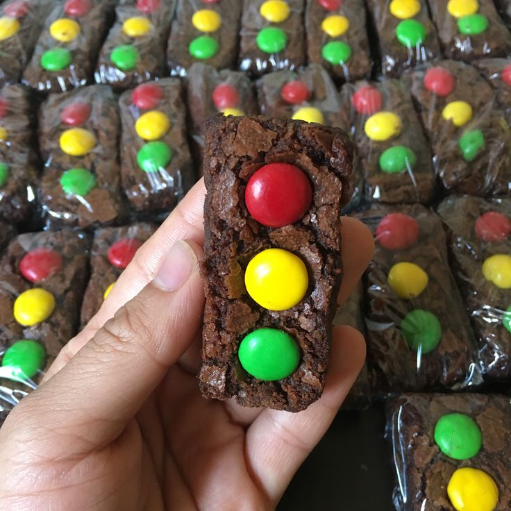 Traffic light / stop light brownies for a Cars birthday party