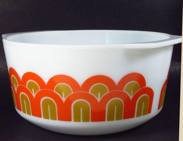 Pyrex Casserole Dish 3 qt Arches Art Deco Fish Scales Yoga Butts vintage 344 #Pyrex